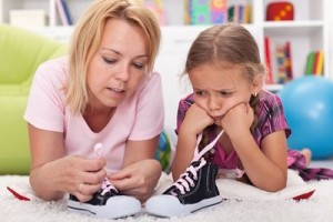 Teach-Your-Child-To-Tie-Shoelaces-e1447212149232